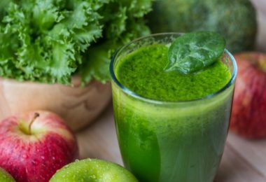 Chlorella Pineapple and Coconut Smoothie Recipe